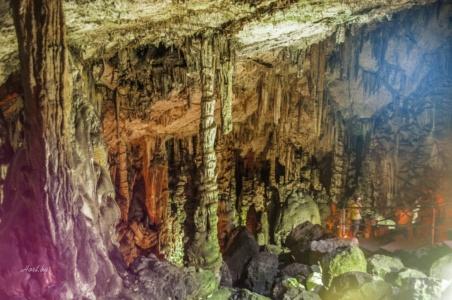 Крит. Диктейская пещера, где родился Зевс.