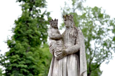 Король и королевич. Лычаковское кладбище. Львов.