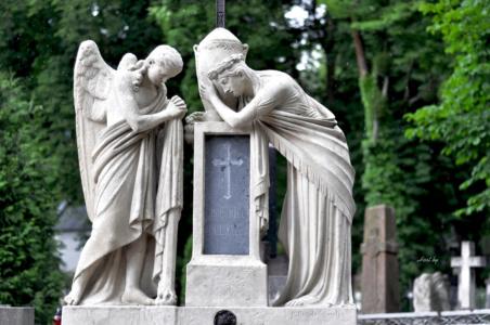 Ангелы. Лычаковское кладбище. Львов.